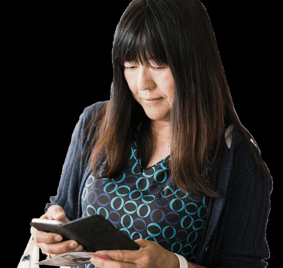 woman-browsing-wellframe-app